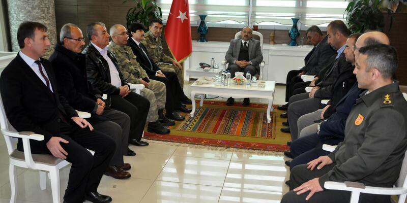 Bitlis'te şehit ailelerine 'devlet övünç madalyası' verildi