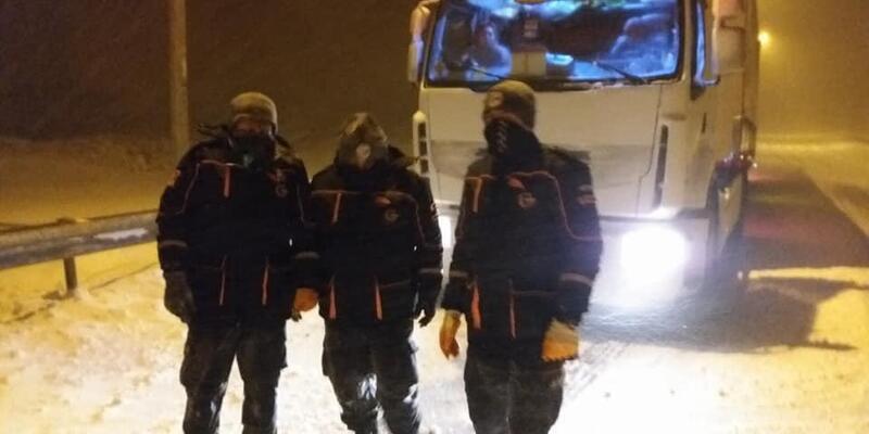 Karda mahsur kalan TIR şoförünü AFAD kurtarıldı
