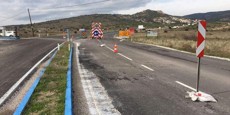 Foça'daki o yollara sıcak asfalt dökülmeye başlandı
