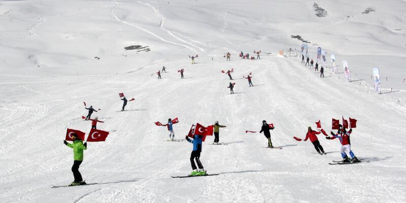 Çaldıran'da kayak merkezi açıldı