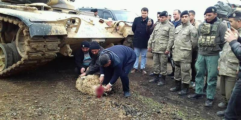Sınırda bekleyen askerler için kurban kestiler