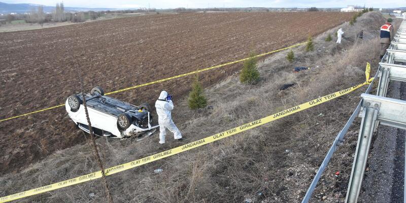 Kütahya'da otomobil şarampole uçtu: 2 ölü