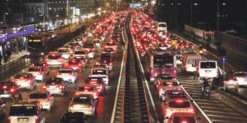 İstanbul'da trafik kilitlendi: İşte son durum