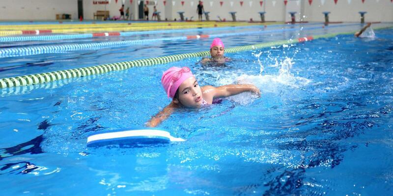 Kepez'de çocuklar tatilde ücretsiz yüzecek