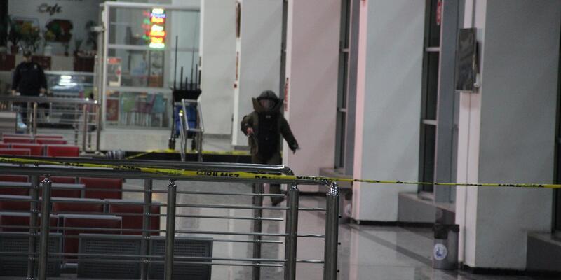 Terminalde unutulan çanta paniğe neden oldu