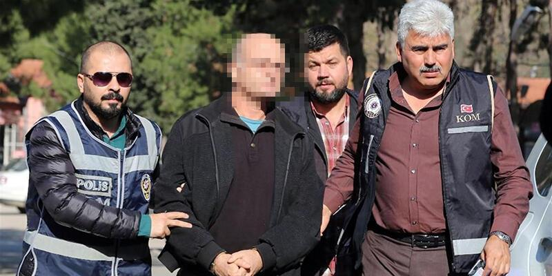 Ajan yöntemleriyle 9 ay kaçtı: Üzerinde Gülen'in ABD'den yolladığı özel telefon çıktı
