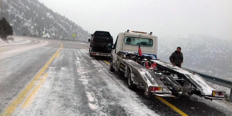 Kar yağışı, Alacabel'de ulaşımı aksattı
