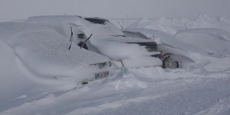 Beyaz cennet kar altında