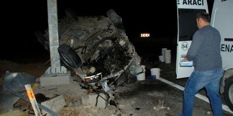 İzmir'de feci kaza: İkiz kardeşler öldü, 6 kişi yaralandı