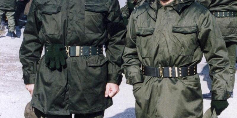 Bakan Çavuşoğlu, sosyal medyadan askerlik fotoğrafını paylaştı