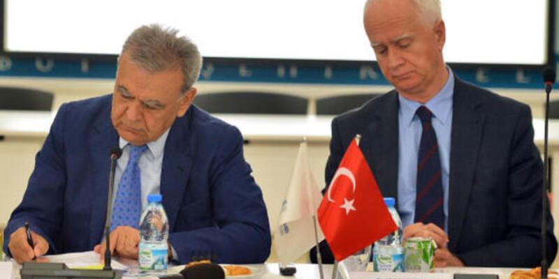 İzmir'de, ESHOT Genel müdürü Canbek'e yumruklu saldırı