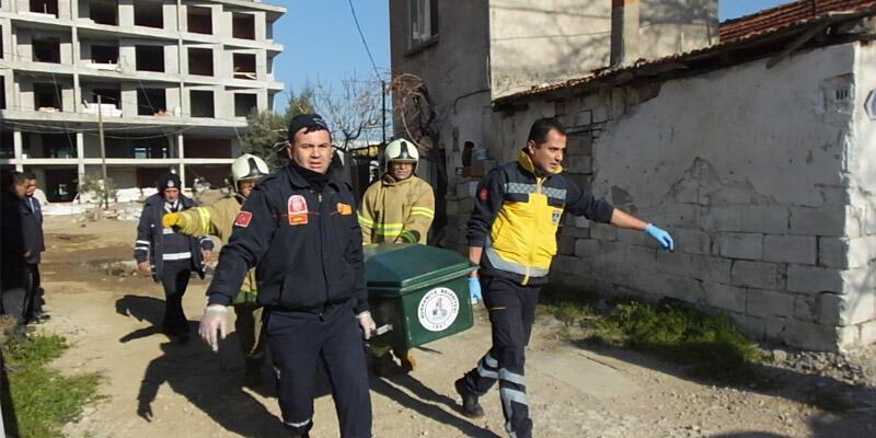 Evde çıkan yangında eşini kurtardı, kendi hayatını kaybetti