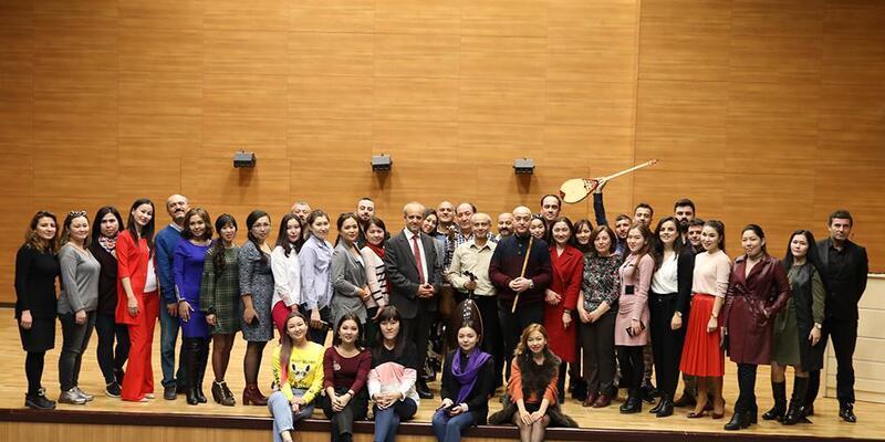 Üniversiteye Kazakistan öğrenci grubu geldi