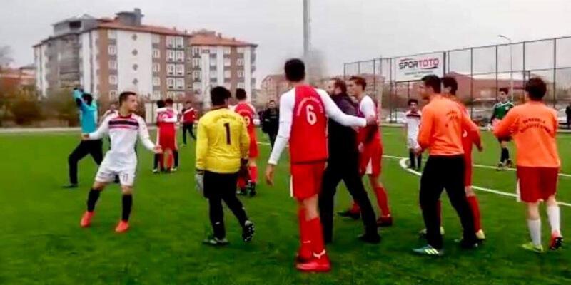 Çorum'da U-19 maçında kavga çıktı