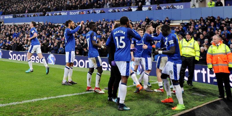 Cenk Tosun oynamadı, Everton evinde kazandı