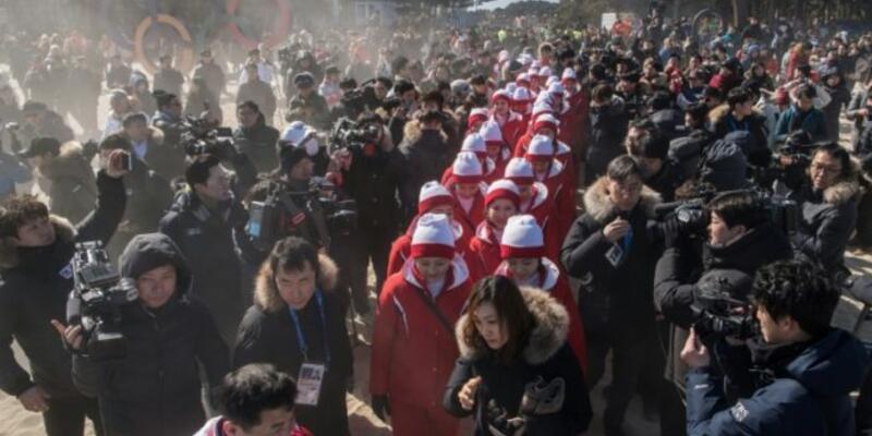 Kuzey Koreli ponpon kızlar kabusu yaşıyor