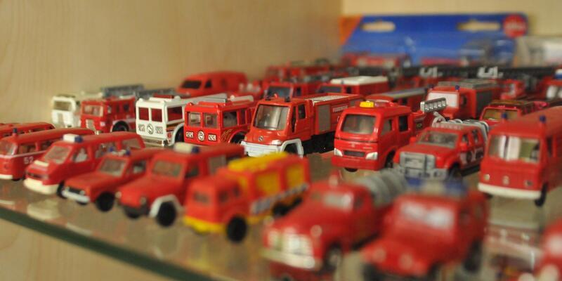 İtfaiye Daire Başkanı'ndan oyuncak itfaiye aracı koleksiyonu