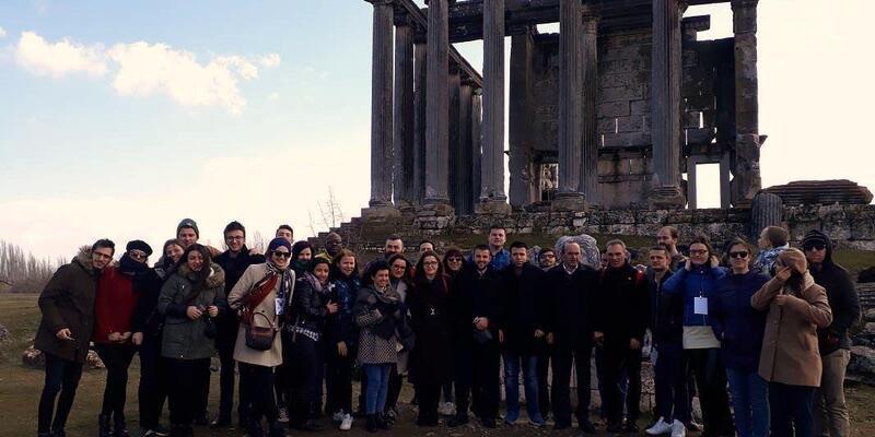 Yabancı öğrenciler, Aizanoi Antik Kenti'ni ziyaret etti