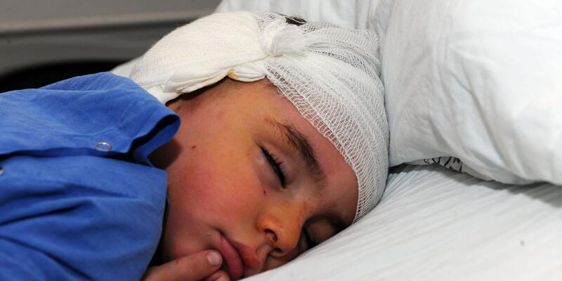 Van'da, Iraklı çocuğa biyonik kulak ameliyatı yapıldı