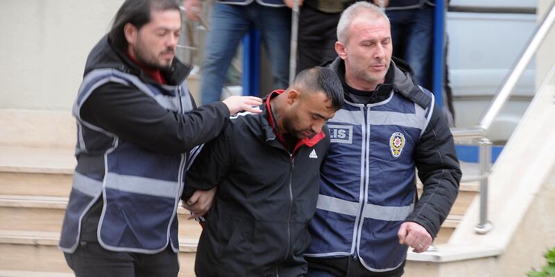 Polisi yüzünden yaralayan şüpheli adliyede