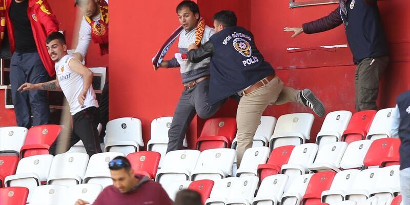 Antalya - Kayserispor maçında kavgayı polis ayırdı