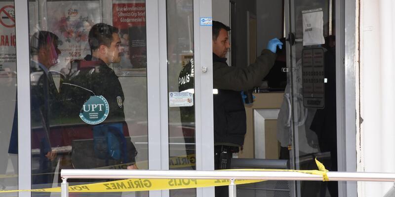PTT şubesinde kar maskeli silahlı soygun