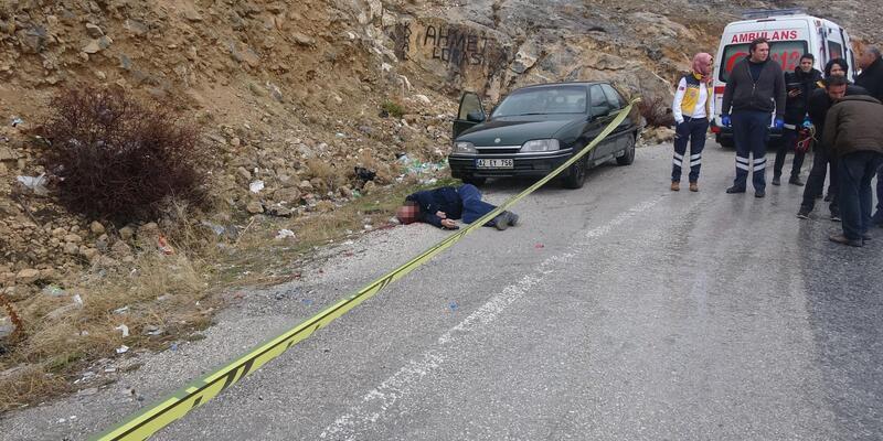 Otomobilinin yanında başından vurulmuş olarak bulundu