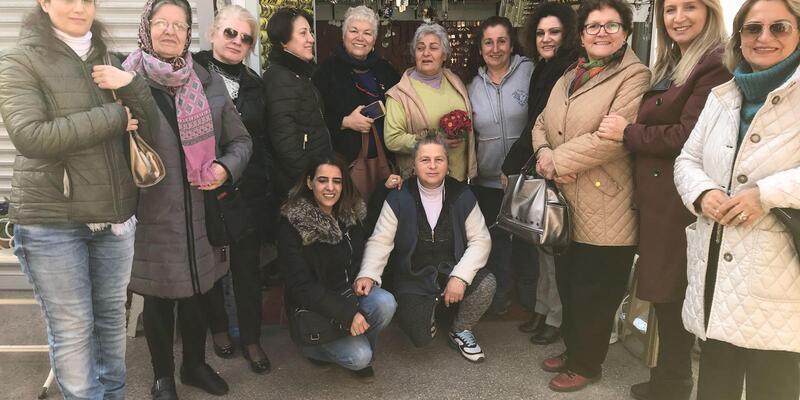 CHP'li kadınlardan Takıcılar Çarşısı ziyareti