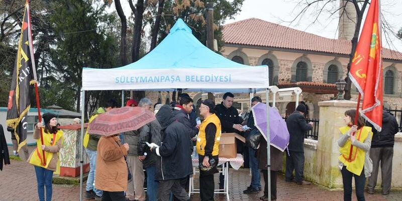 Süleymanpaşa'da, Çanakkale şehitleri için pilav ikramı