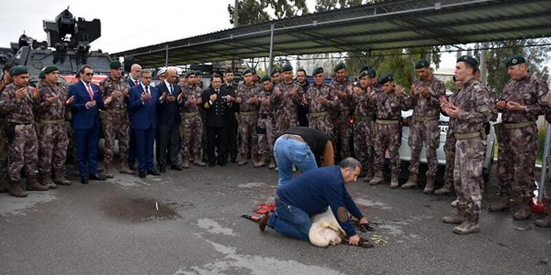 Mersin'de özel harekât polisleri Afrin'e uğurlandı
