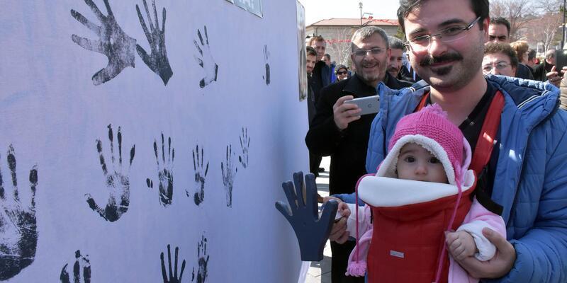 İYİ Parti'den çocuk istismarına 'el baskılı' tepki