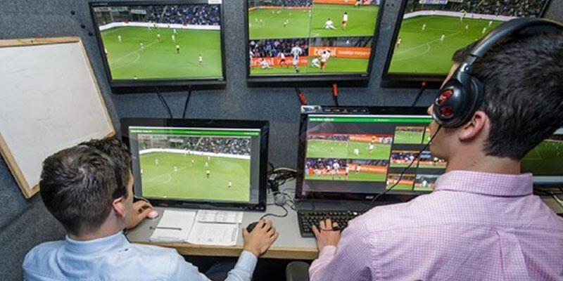 Son dakika: İngiltere Premier Lig'den video hakeme ret