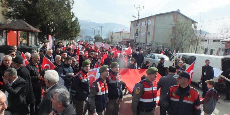 3 bin kişi Mehmetçik için yürüdü