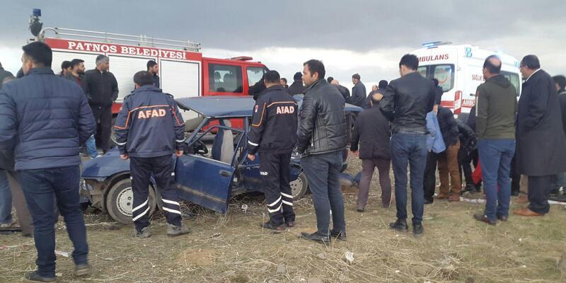 Muş'ta iki otomobil çarpıştı: 2 ölü, 6 yaralı