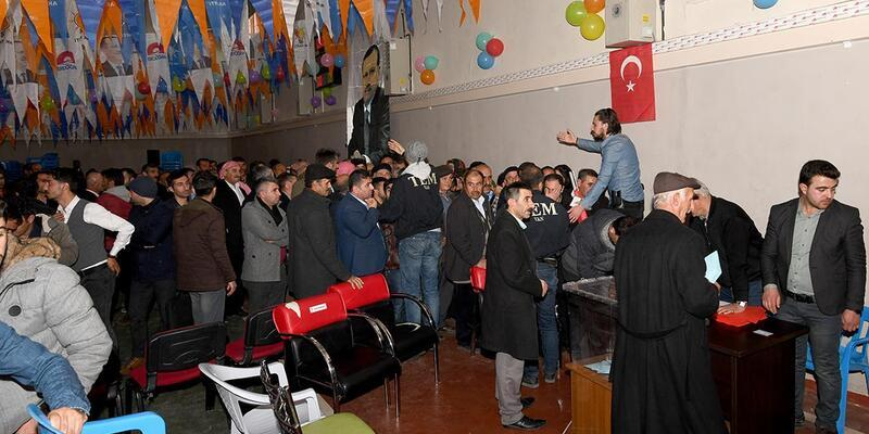 Ak Parti Çatak İlçe Başkanı, Tahsin Babur oldu