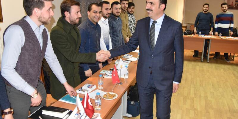 Başkan Altay'dan genç siyasetçilere tavsiyeler