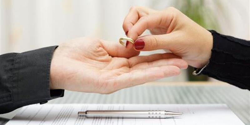 Türkiye'de son 10 yılda evlilikler azaldı, boşanmalar arttı