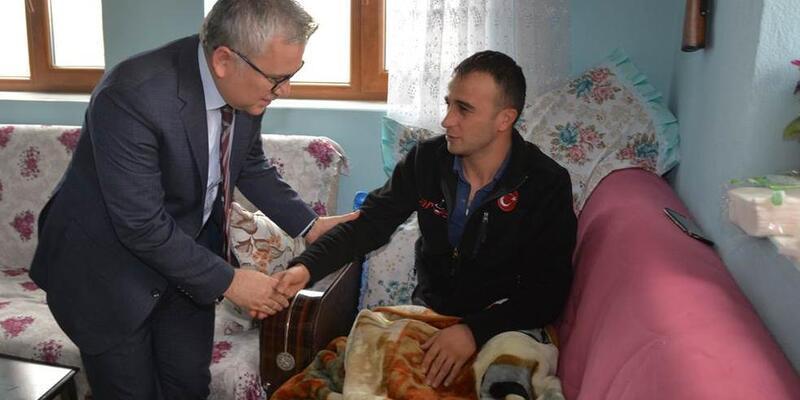 Vali Şimşek, Afrin'de yaralanan askerleri ziyaret etti
