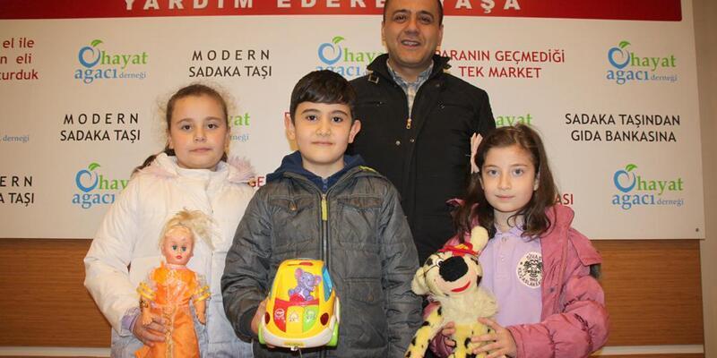 Öğrencilerden oyuncak bağışı