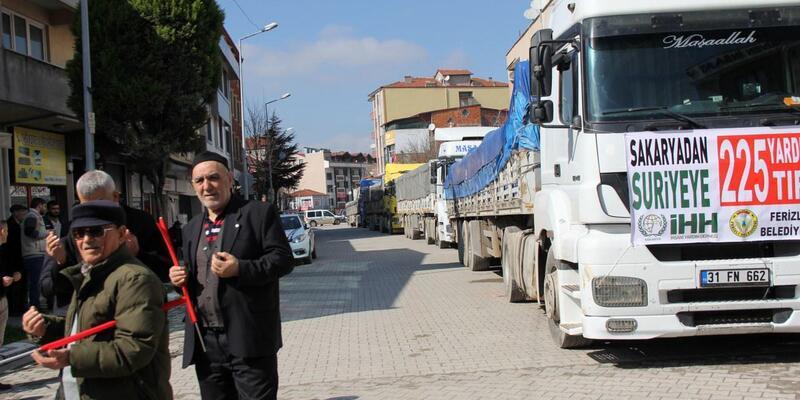 Ferizli'den Afrin'deki Suriyeliler'e 4 TIR dolusu un