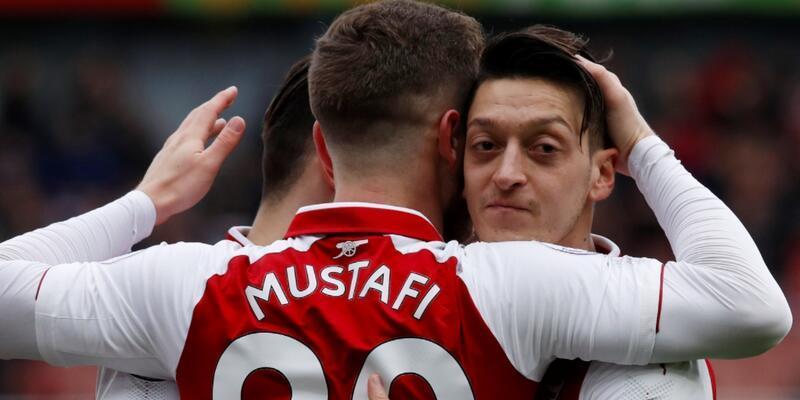 Arsenal kazandı Mesut Özil rekor kırdı