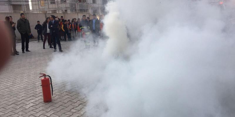 Van'da nefes kesen yangın ve deprem tatbikatı