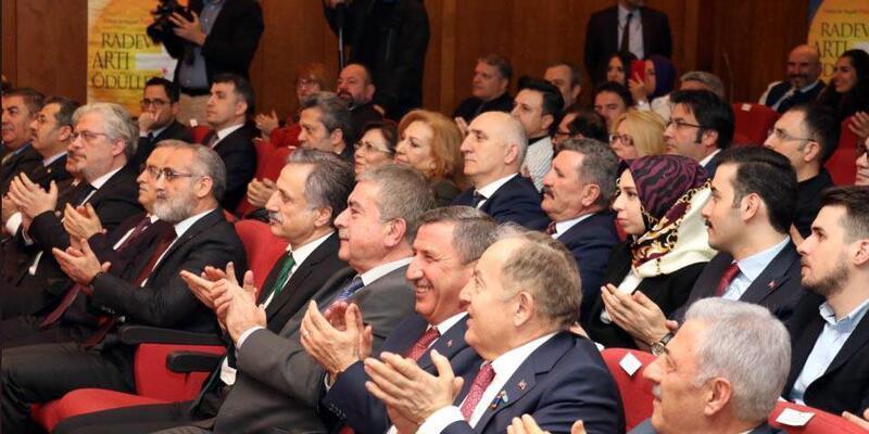 Erciş Belediye Başkan Vekili Mehmet Şirin Yaşar'a ödül