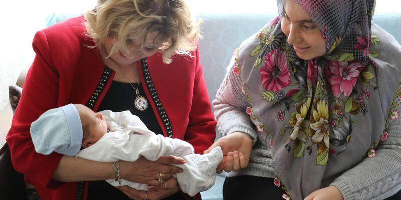 Manisa Büyükşehir'den 'Hoşgeldin bebek' ziyareti