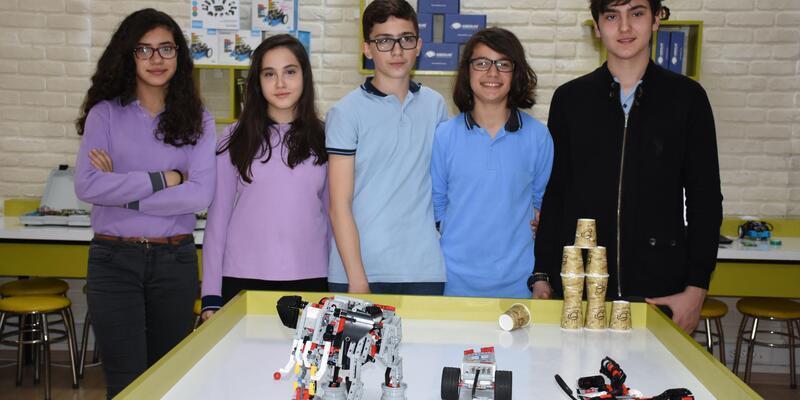 8'inci sınıf öğrencileri insansız kara aracı yaptı