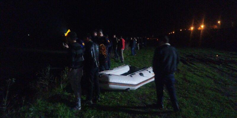 Bafra'da köprüden suya atlayan iki kişi kayboldu