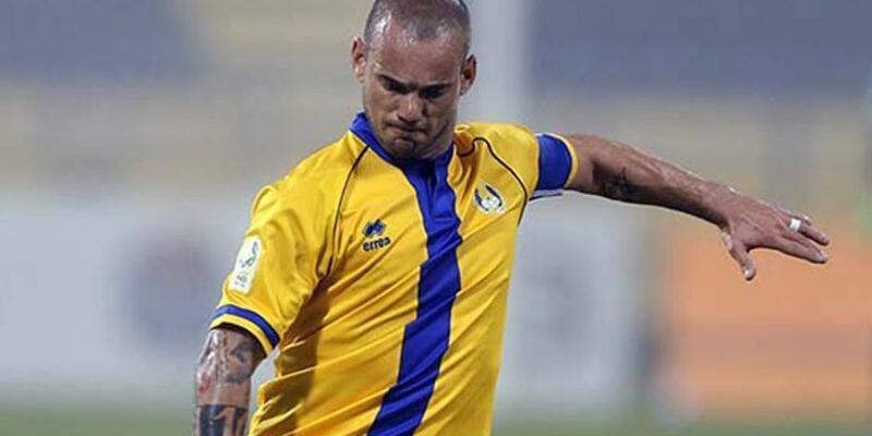 Sneijder futbola devam kararı aldı