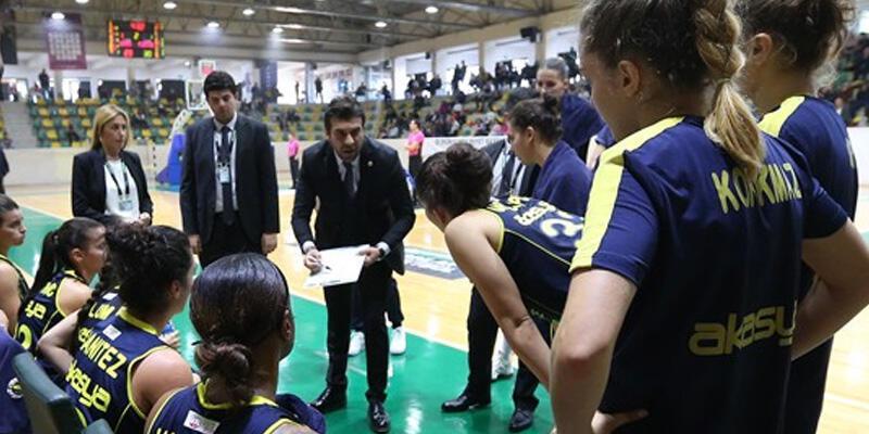 Fenerbahçe son periyotta yıkıldı