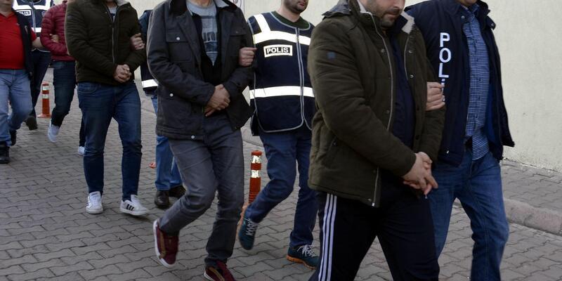 FETÖ'den gözaltına alınan 10 asker daha adliyede