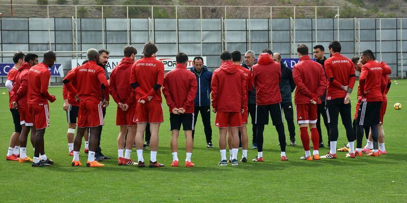 """Demir Grup Sivasspor Teknik Direktörü Aybaba: """"Zor maç olacak"""""""